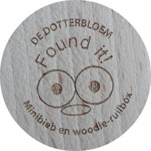 De Dotterbloem  found it  Minibieb en woodie-ruilbox